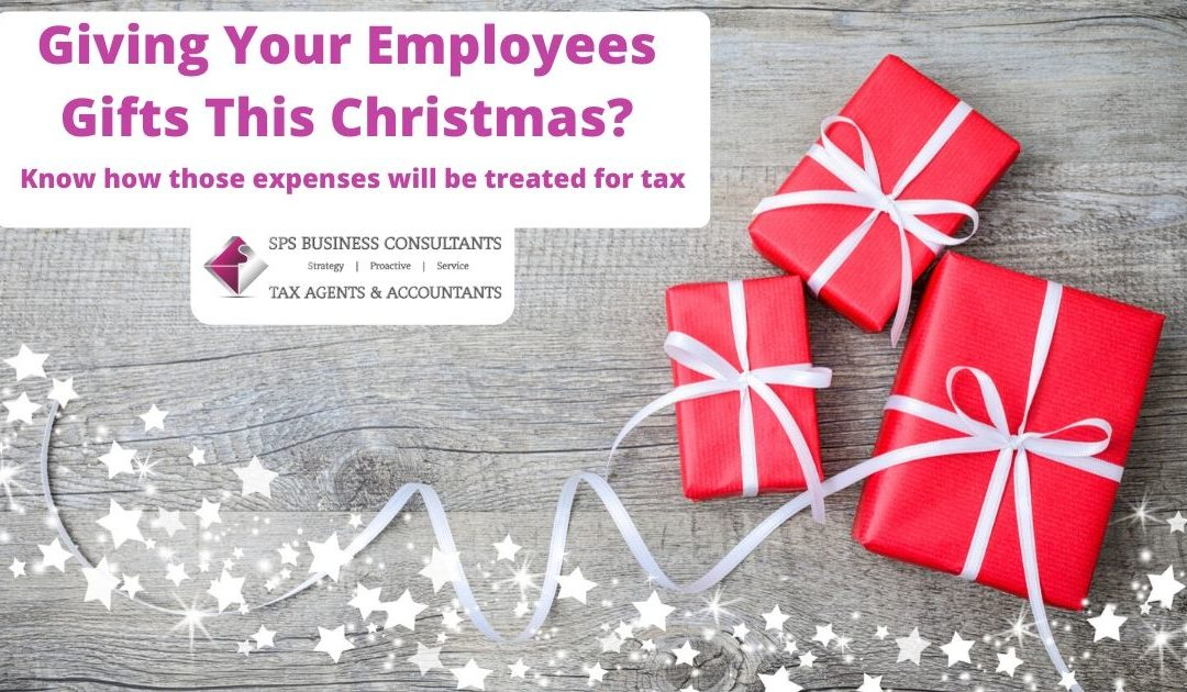 Giving your employees gifts this Christmas? Learn how to make it more tax-effective!